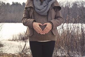 Увольнение беременной женщины по срочному трудовому договору